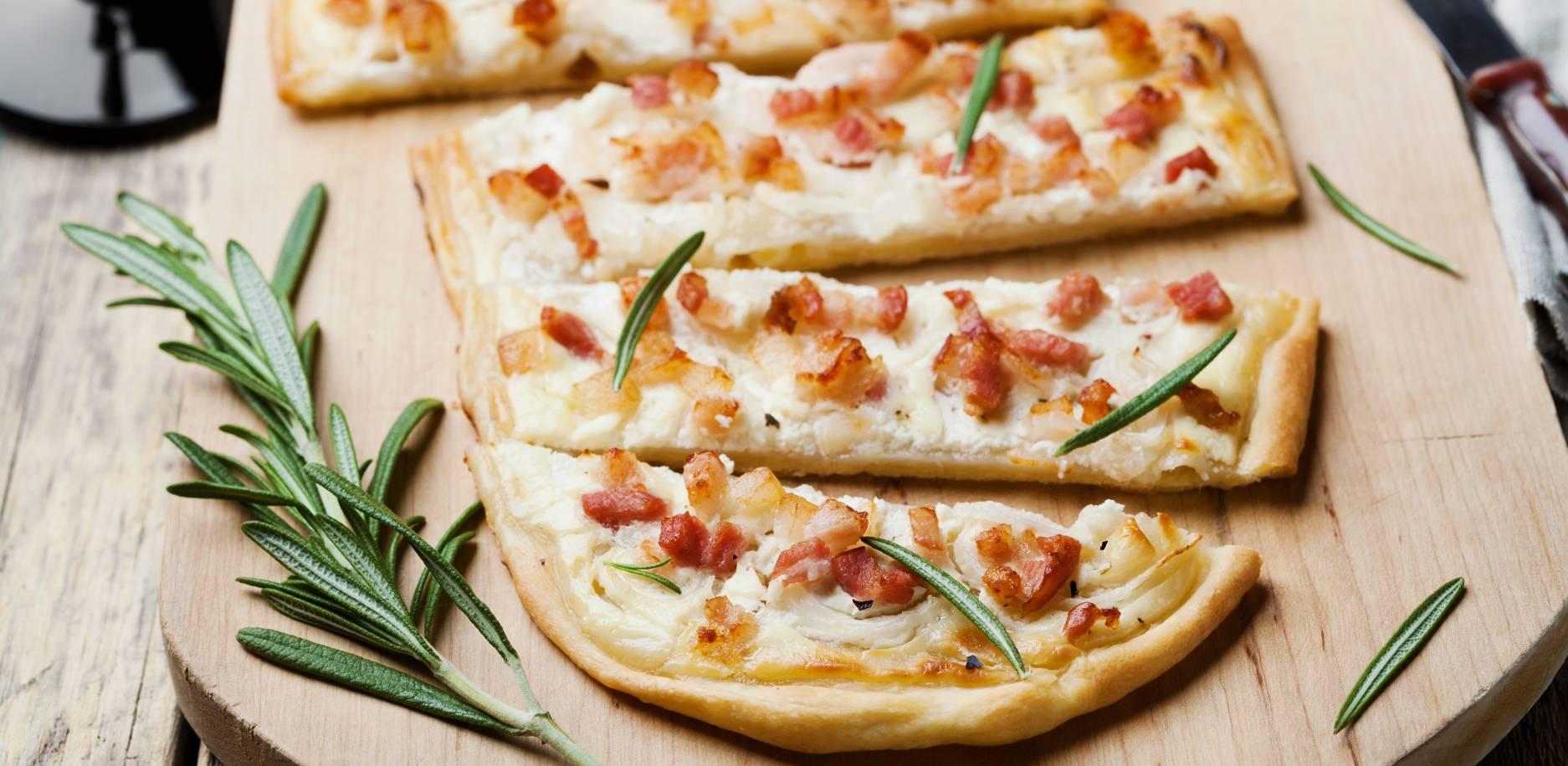 Pizza au fromage à raclette