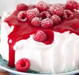 Cheesecake et coulis de framboise