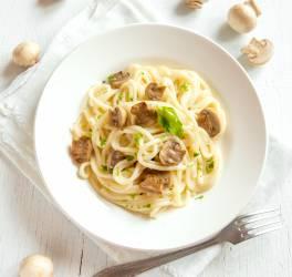 Recette de linguines parmesan et champignons de Paris